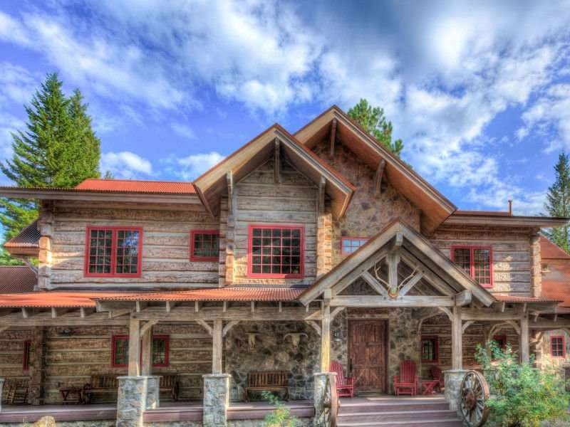 Image of Arlee Concrete Log Retreat - made with Everlogs Concrete Logs, Siding, and Timbers