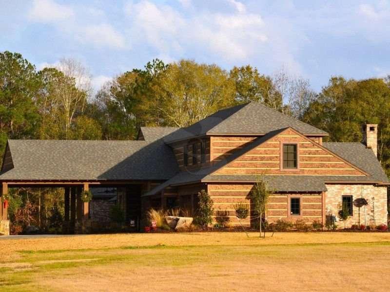 Broussard, Louisiana Home with EverLog Concrete Log Hand-Hewn Siding