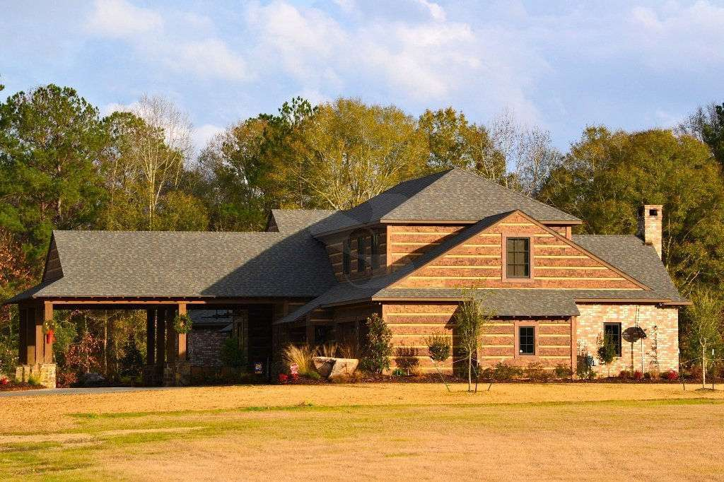 Broussard, Louisiana Home with EverLog Concrete Log Hand-Hewn Siding
