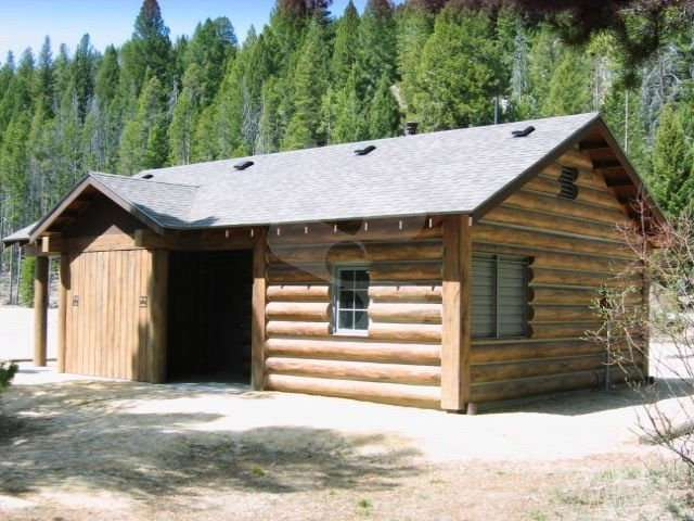 Image of Redfish Lake Lodge Restroom, Redfish Lake, Idaho - made with Everlogs Concrete Logs, Siding, and Timbers