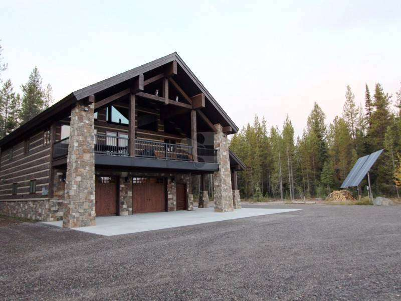 Image of Island Park, Idaho Residence - made with Everlogs Concrete Logs, Siding, and Timbers