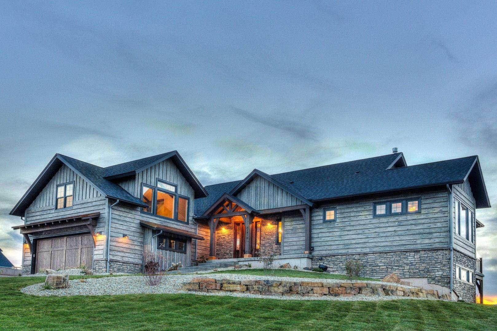 concrete_house_log_siding_ranch_clubbanner