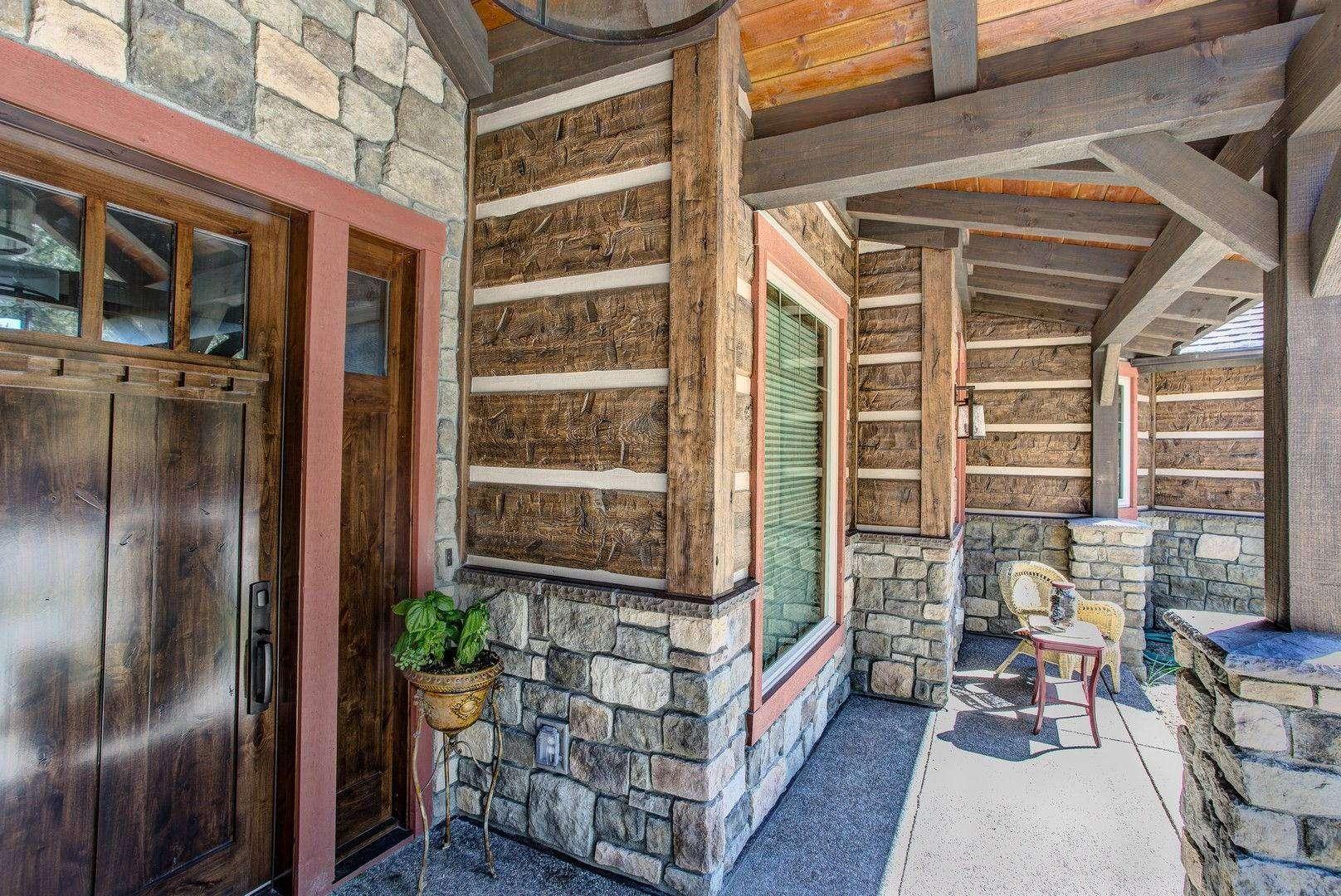 Montana Log Home with Concrete Log Siding 09