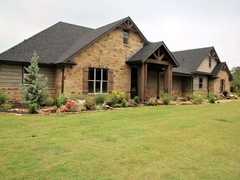 Lovelady, Texas Log Sided Home