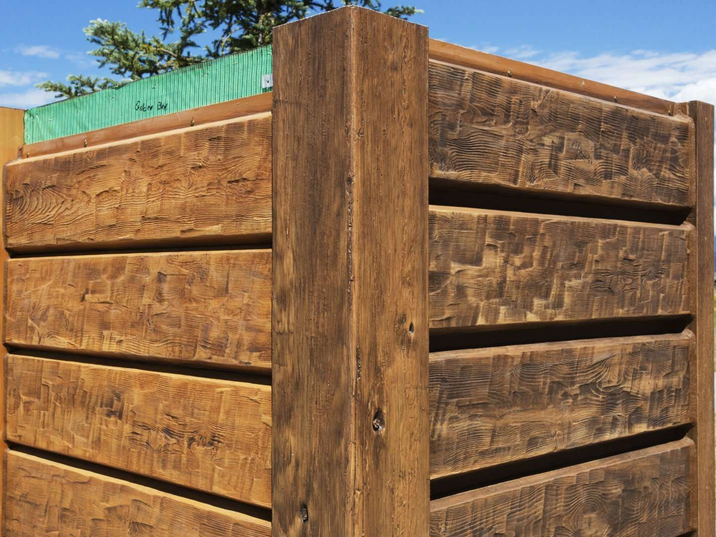 "10"" Plank EverLog Siding (Left Golden 